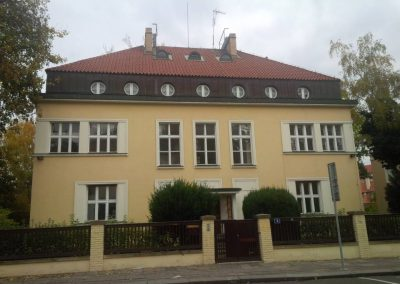 Vila Alfonse Muchy v Praze Bubenči (wikipedia)