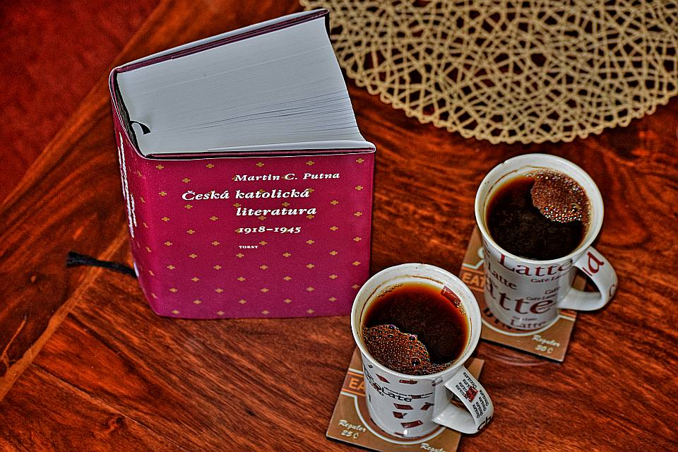 vic-nez-na-dva-salky-kavy